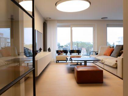 Een ruimtelijk appartement met stoere toets