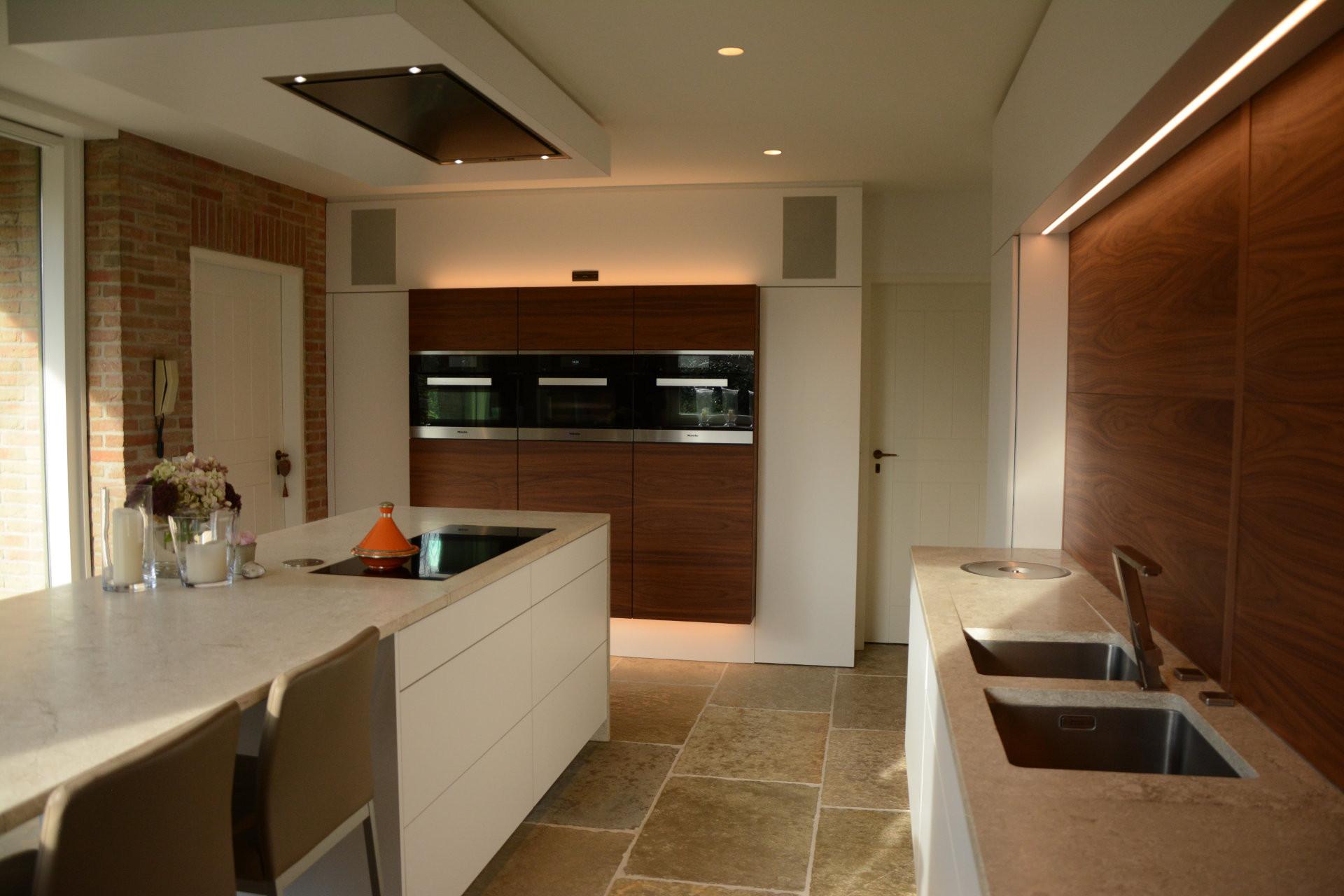 REALISATIE Villa met warm en modern interieur