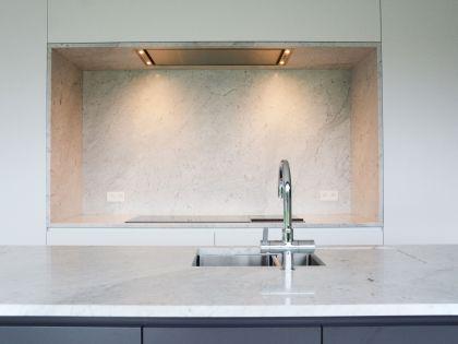 Praktisch georganiseerd interieur met liefde voor marmer - architect Stijn Goethals